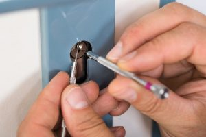 ¿Qué labores de mantenimiento realizan los cerrajeros a las cerraduras anti bumping?